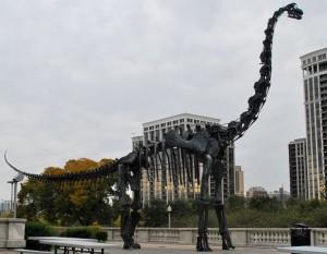 Brachiosaurus skeleton in bronze in Chicago